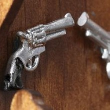 dollhouse_miniature_revolvers_medium